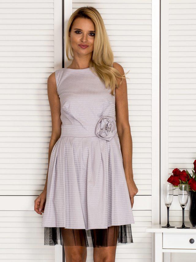 Elegancka sukienka – jaki model wybrać?