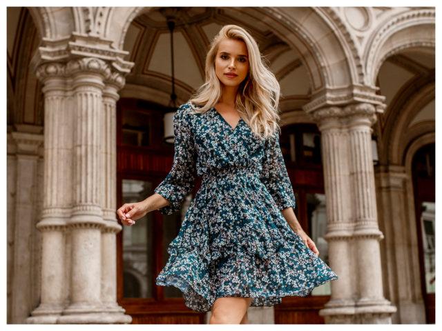 Sukienki z gumką w pasie – sprawdź, czy pasują do Twojej figury